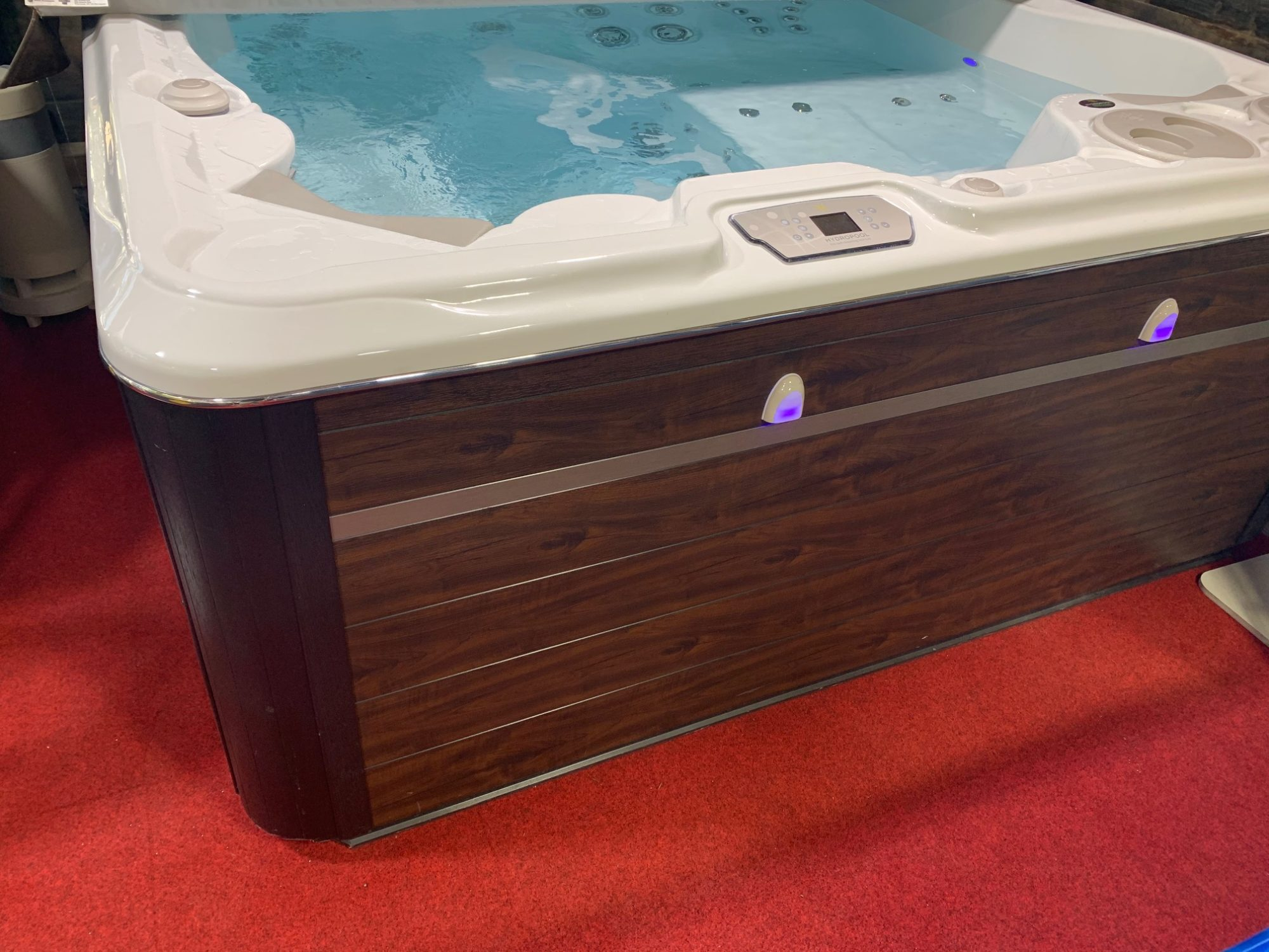 Ex display Self-cleaning Hot Tub 790